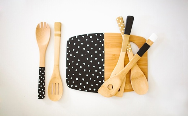 external-post-image-3871-painteddippedwoodenspoonskitchenutnesilsdiy